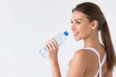Une bonne hydratation remplit un rôle essentiel